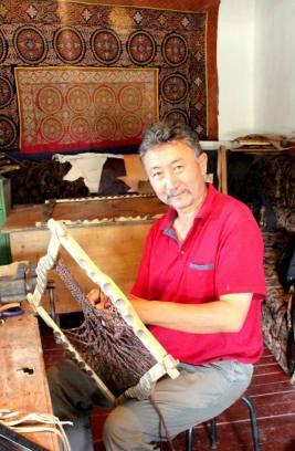 казахский орнамент, ремесло, кочевники, обучение ремеслу, кожа, сувенир, номад, мастер, национальные узоры, казахстан