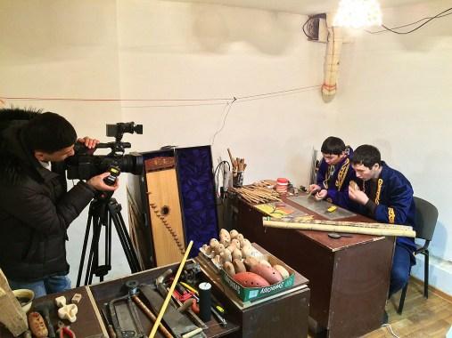 мастерская, глина, керамика, музыкальный инструмент, музыка казахов, национальный инструмент, казахская флейта, музыкальная культура казахов, национальное достояние, наследие предков, музыкальный сувенир, ремесленник, казахстанские ремесла, этнические сувенир, подарок гостю, этнический элемент