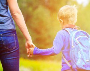 اخلقي بعض التوازن لابنك رغم غياب الأب