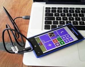 احذر من شحن هاتفك الذكي عبر مخرج USB في الكمبيوتر