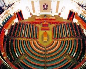 البرلمان يتوقع زيادة أسعار المحروقات مع إقرار الموازنة القادم