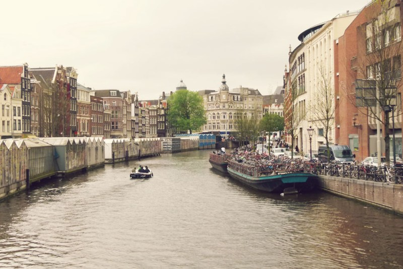 Amsterdam Canal Bloemenmarkt