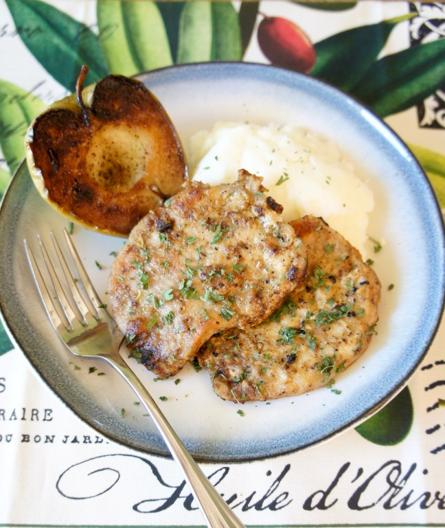 Pork Chops with Pan-Fried Apples