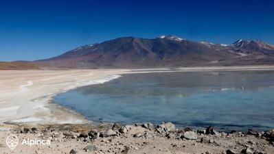 bolivia-sud-lipez-travel-lagoons