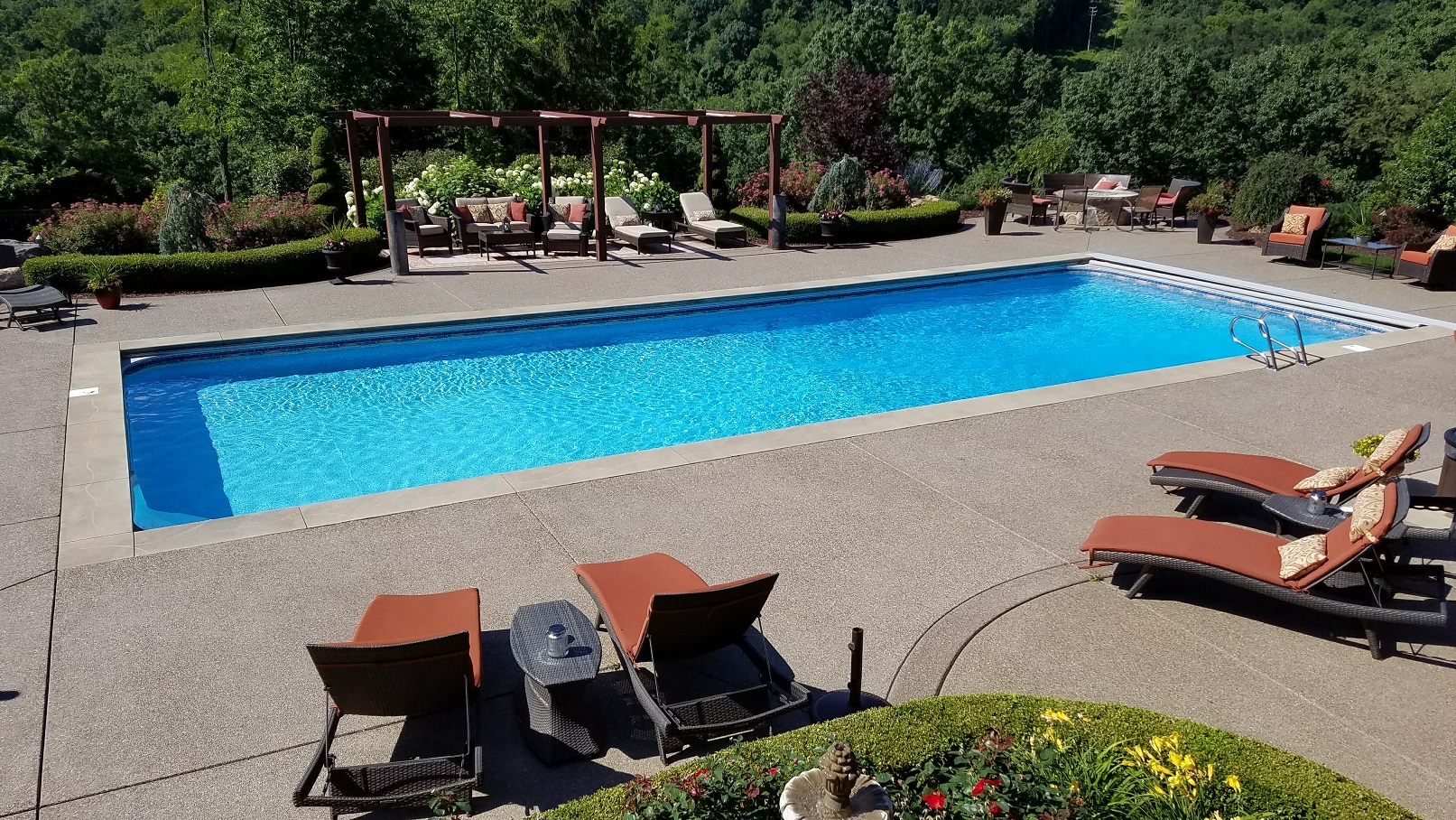 Jacuzzi Pool In Ground Alpine Pools Western Pennsylvania S Pool And Spa Dealer Specials