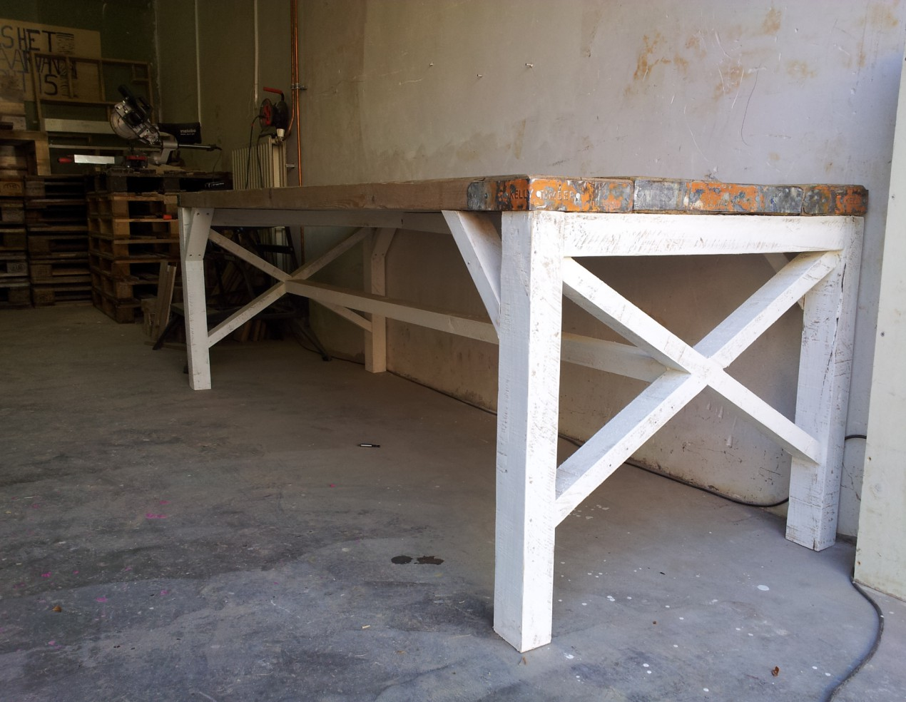 Grote Houten Tafels : Grote houten tafel steigerhouten tafel metalen onderstel x