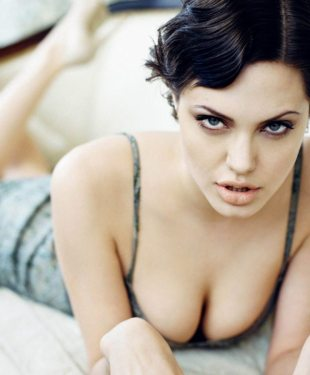 angelina jolie hot Wallpapers-5