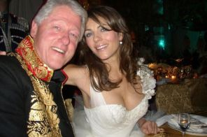 Bill-Clinton-and-Liz-Hurley-at-a-Charity-Ball-3113948