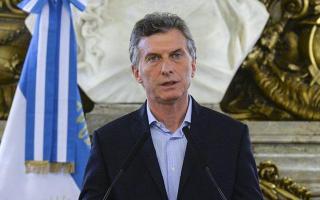 رئيس الأرجنتين يحث المسؤولين في بلاده على حل أزمة كرة القدم