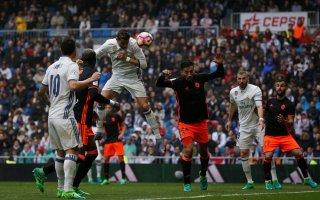 ريال مدريد يستعيد صدراة الليغا بعد فوز قاتل على فالنسيا