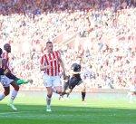ليفربول يقلب الطاولة على ستوك.. ومانشستر سيتي يسحق هال بثلاثية في الدوري الانجليزي