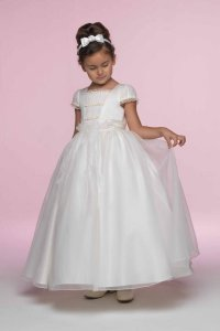 Wedding dresses for children: Pictures ideas, Guide to