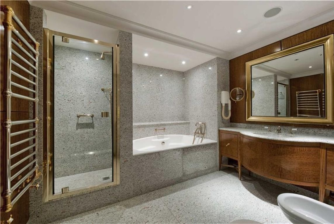 Extravagant Bathrooms Most Expensive House In The Uk Alux