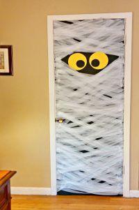 Halloween Door Decorations - Spooky DIY Mummy Door Decoration
