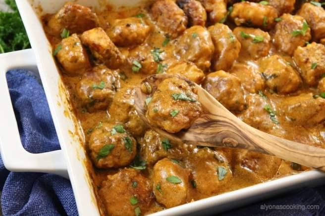 chicken-meatballs-cream sauce-tefteli