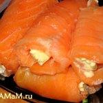 Красная рыба домашнего соления в рулетах с начинкой (сухой посол)