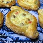 Лодочки – открытые пирожки с грибами или с творогом