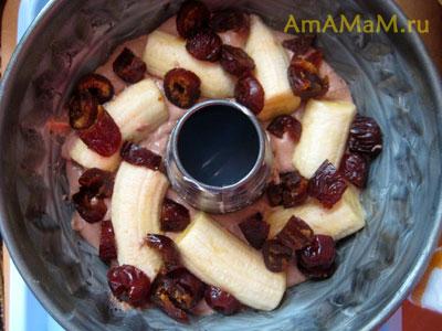 Способ приготовления кекса с бананами и черносливом в форме с дырочкой