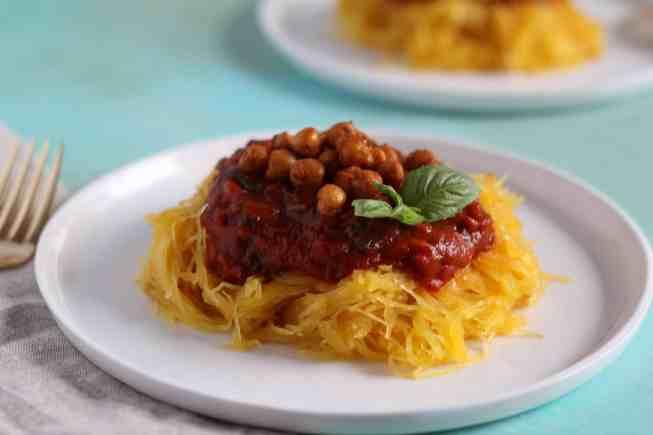 spaghetti squash with roasted chick peas recipe, roasted chickpeas