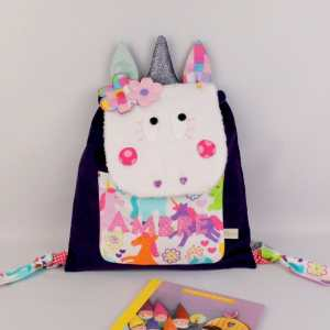 sac-fille-personnalise-licorne-prenom-ambre-sac-a-dos-licorne-maternelle-creche-cadeau-naissance-bapteme-unicorn-kids-backpack-personalized-name