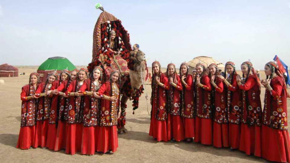 Trajes tradicionais do Turquemenistão
