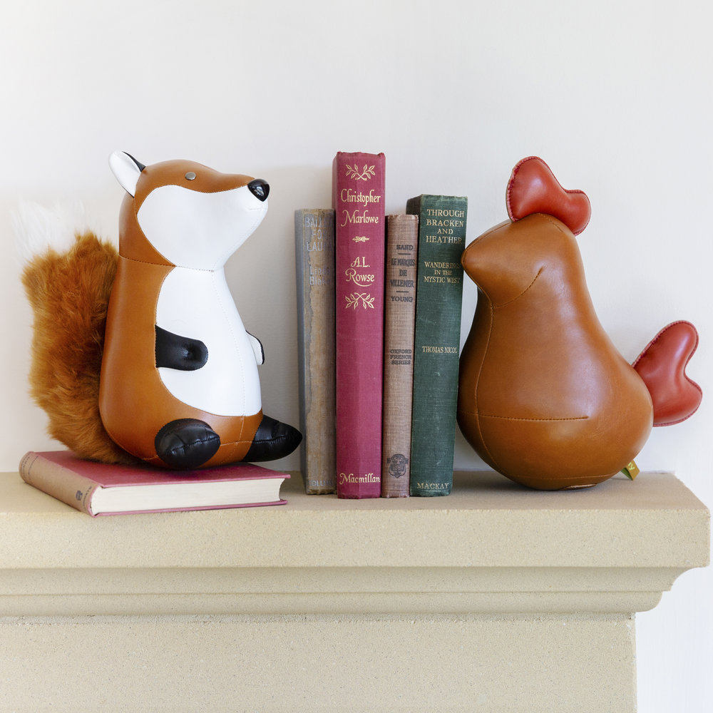 Buy Züny Fox Bookend Tan White Amara