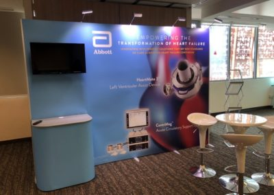 ISOframe Wave Flexible and Modular Exhibition Stand