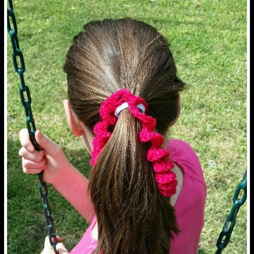 My Latest FREE Pattern~ Curly Que Ponytail