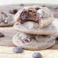 Soft Nutella Chocolate Chip Cookies