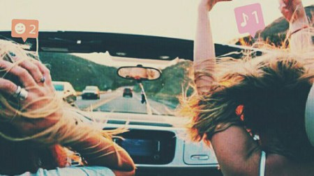10 SONGS TO ADD TO YOUR ROADTRIP PLAYLIST