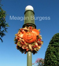 Disney Halloween Lamp Post   A Moment to Capture