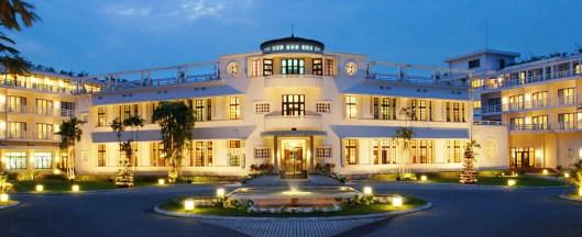 glamorous great gatsby hotels
