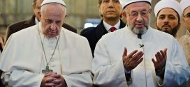 Pope Francis prays in one of Istanbul's most famous mosques in new Chrislam Outreach