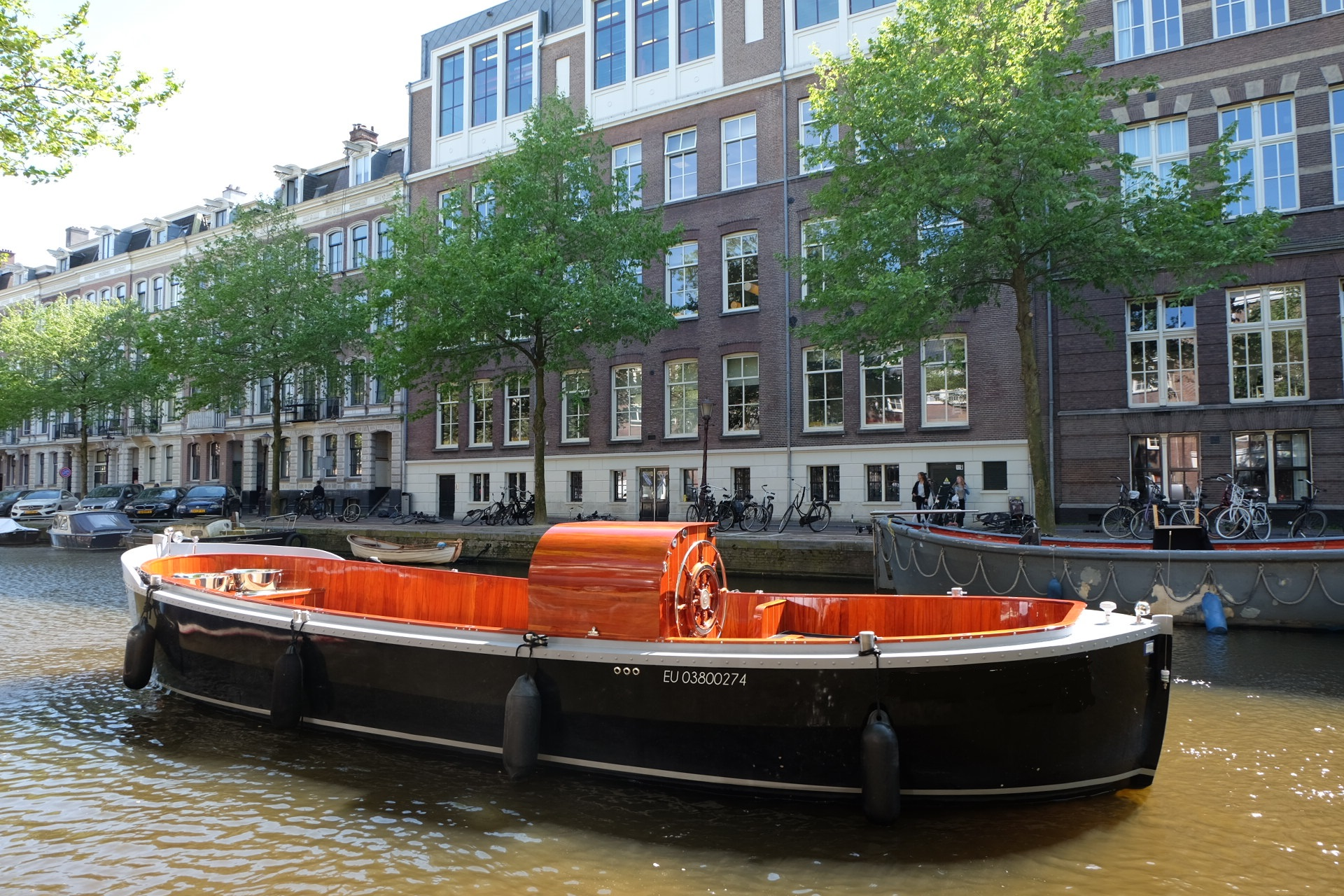 Rent A Boat Amsterdam Private Canal Cruise Amsterdam Vip Treatment For Any Budget