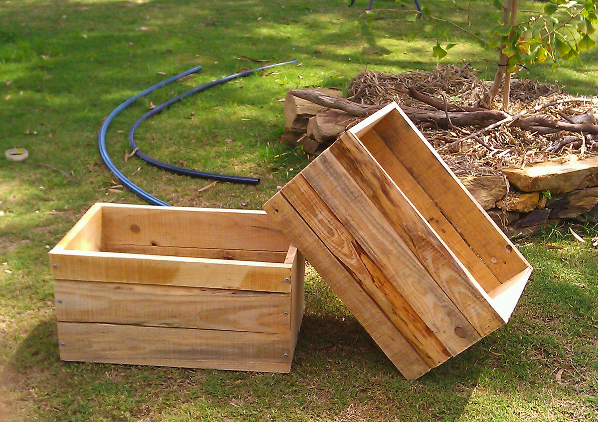 Diy Planter Box From Pallets Shed Plan Guide How To Build Wood Planter Boxes