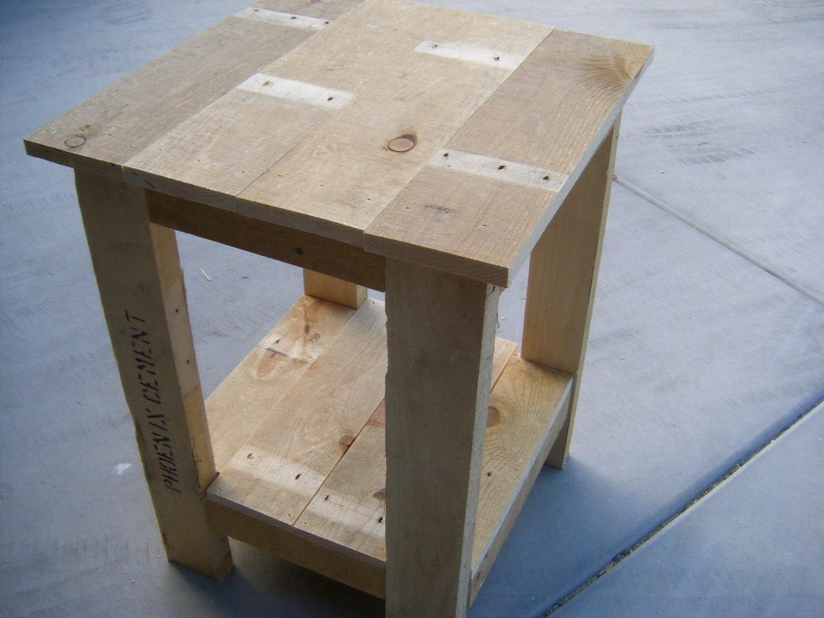 Diy End Tables Plans Ana White Tryed Side Table Pallet Redux Diy Projects