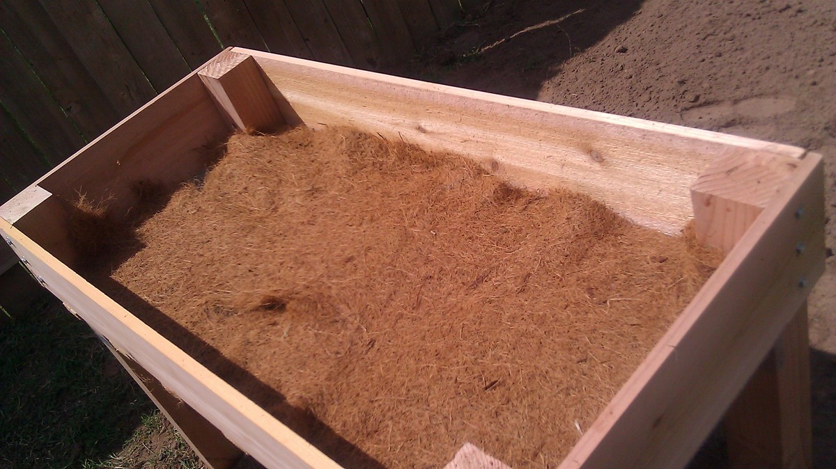 Diy Raised Garden Bed On Legs Ana White Counter Height Garden Boxes By Janet Fox Diy