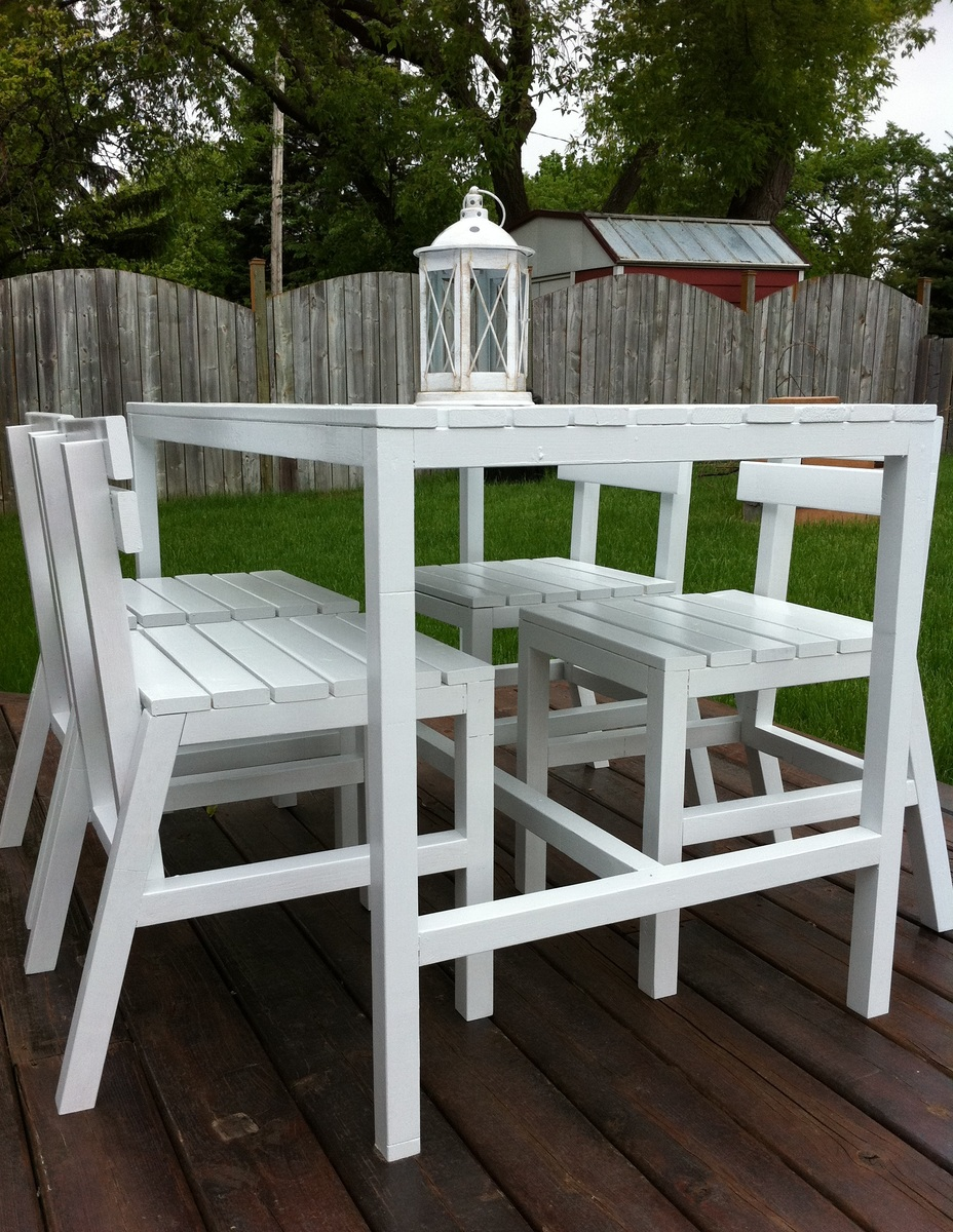 Diy Patio Table And Chairs Ana White Harriet Outdoor Table And Chairs Diy Projects