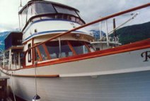 motor_yacht_tempest_sideview