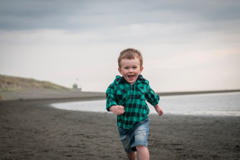 Bethells beach, little boy photoshoot by Anais Photography, Auckland