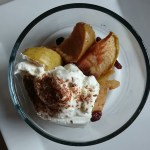 Baked apple with yogurt and flax