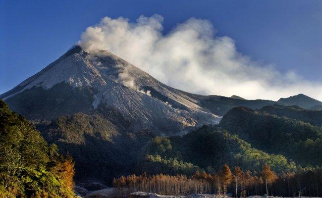 Gunung Merapi Mount Merapi Java Island Indonesia Andoyoanny S Blog