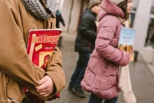 Copii cu manuale de religie