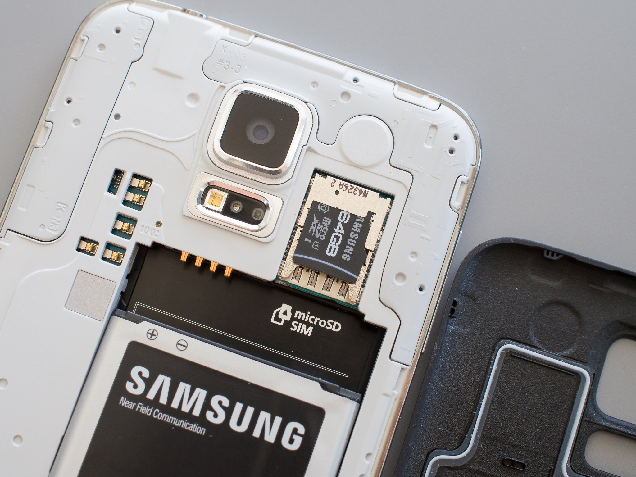 Sd Kaart 16gb How To Insert And Replace The Sd Card On The Galaxy S5