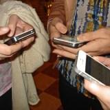 Krankheitserreger auf Smartphone-Bildschirmen: Panikmache oder ernstzunehmende Gefahr?