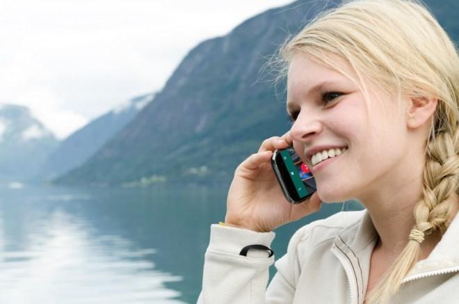 Dank WhatsApp können wir heute recht günstig VoIP-Telefonate führen (Foto: Shutterstock/Robert Neumann)