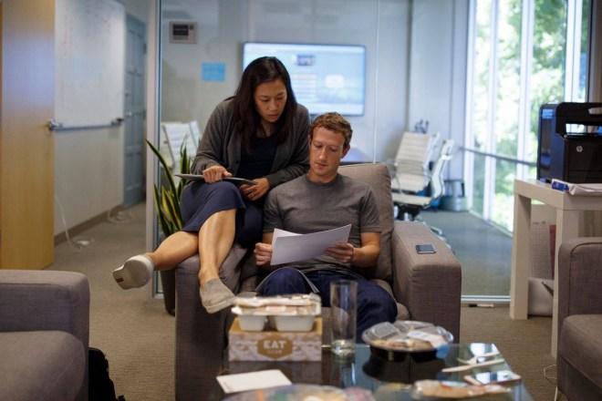 Mark Zuckerberg kündigt Großes an (Foto: Facebook/Zuckerberg)