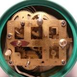 Schweizer Armbanduhr als Stromlieferant für Herzschrittmacher