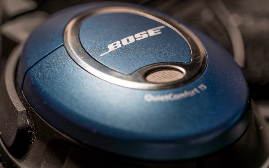 How to replace the ear cushion on Bose QC15 headphones