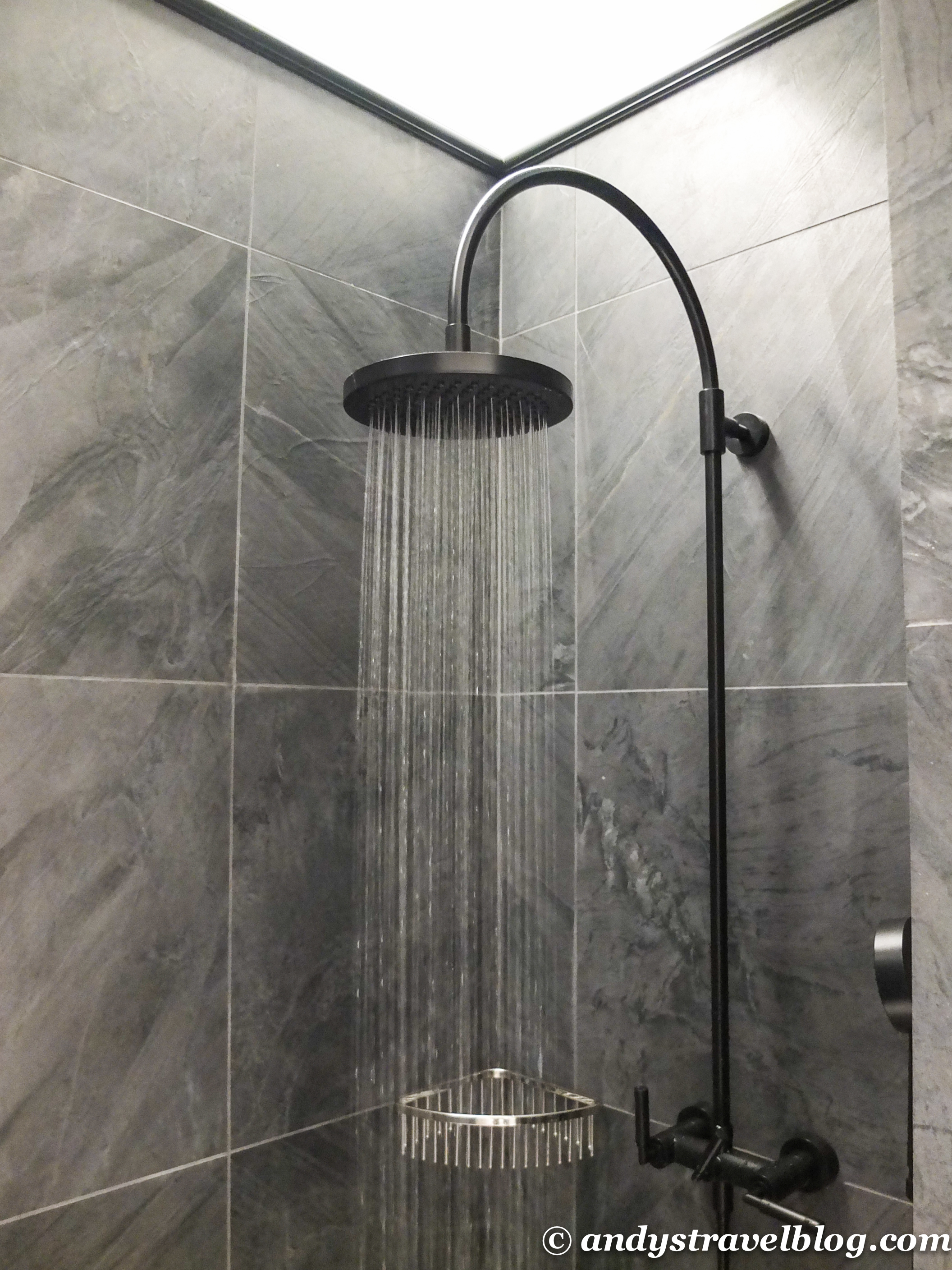 Waterfall Showers Designs The Best Lounge In The Usa American Express 39s New